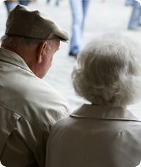Palliativmedizin umfaßt die Sorge um schwerkranke und sterbende Menschen und ihre Angehörigen